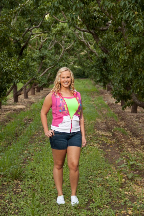 Apple orchard senior photo