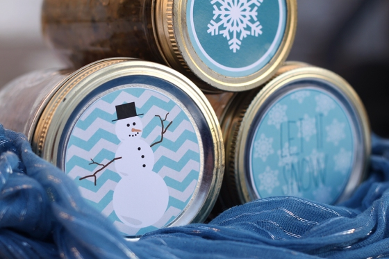 DIY snowman mason jar labels