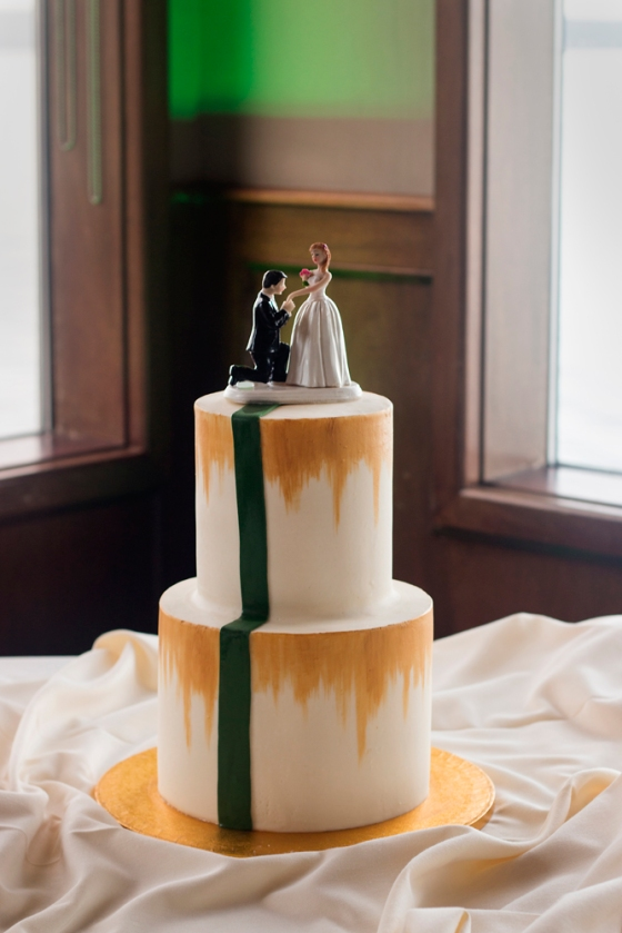 Green and gold wedding cake